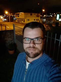 Galaxy A8 - selfie noturna sem flash