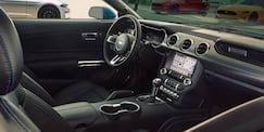 Ford Mustang GT Premium interna - Foto Ford