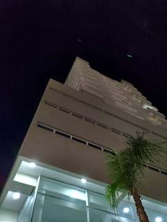 Zenfone 6 - foto noturna de prédio