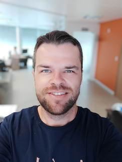 Selfie interna modo retrato