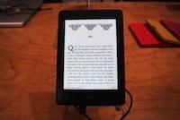 Amazon começa a vender seu e-reader Kindle Paperwhite no Brasil