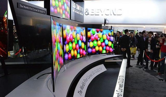 TV com tela curvada começa a ser comercializada