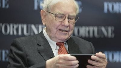 Nova sensação do Twitter: o investidor Warren Buffett