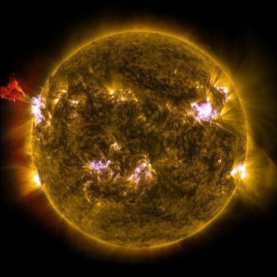 Sonda do Observatório de Dinâmica Solar registra erupções solares intensas