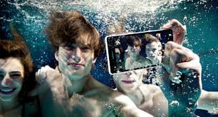 Sony anuncia smartphone capaz de gravar vídeos embaixo d'água