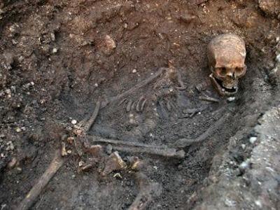 Estudo diz que Rei Ricardo III foi enterrado às pressas