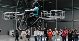 Bicicleta voadora pode carregar pessoa de 75kg