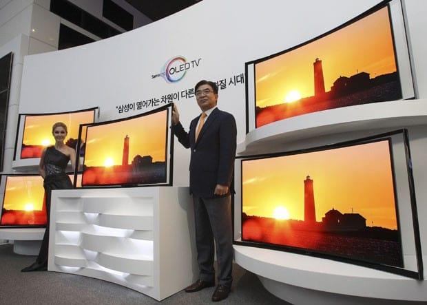 Samsung lança TV de tela curva e 55 polegadas