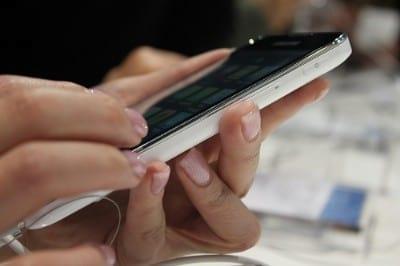 Usar o smartphone economiza US$ 12 mil por ano