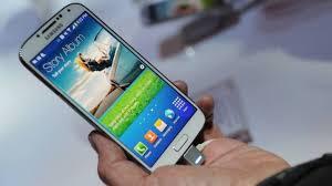 Cientistas carregam bateria de celular com urina e até enviam SMS