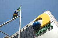 Empresas de telefonia móvel do Brasil poderão ficar de fora do próximo leilão da rede 4G
