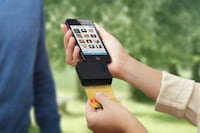Gadget lê cartões de crédito direto de smartphones e tablets