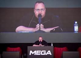 Kim Dotcom deixa cargo de diretor na Mega
