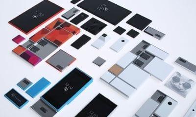 Motorola lança smartphone totalmente montável