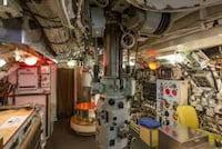 Google Street View te leva para caminhar por dentro de um submarino