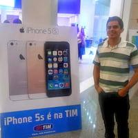 Como foram as primeiras horas de iPhones 5S no Brasil?