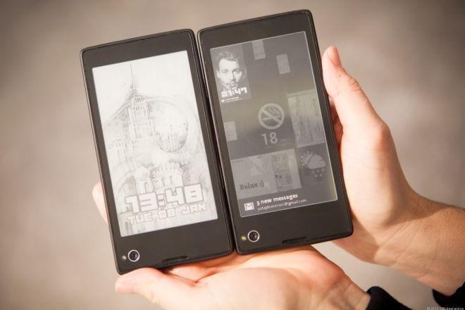Smartphone de dois lados quer conquistar o mundo