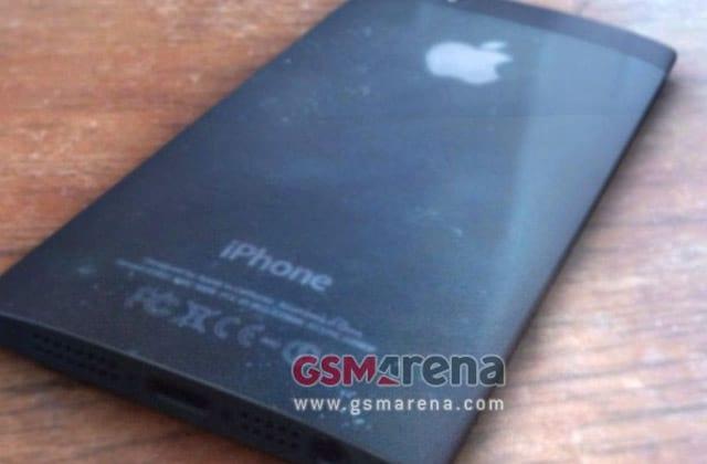 Novo iPhone da Apple poderá vir com tela curva