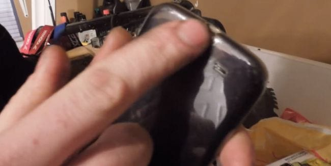Depois do Galaxy S4 queimado, Nokia oferece Lumia para usuário prejudicado
