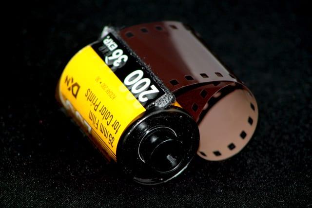 Como funciona uma câmera fotográfica analógica