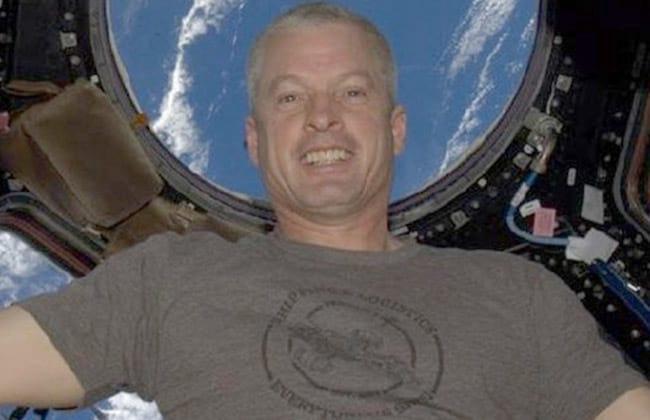 Nasa divulga primeiro selfie de astronauta direto do espaço