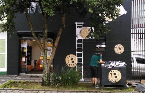 Curitiba inaugura primeira loja física que negocia Bitcoin