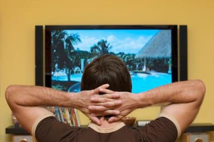 Roubo de sinal de TV por assinatura chega a 4,2 milhões de casas no Brasil