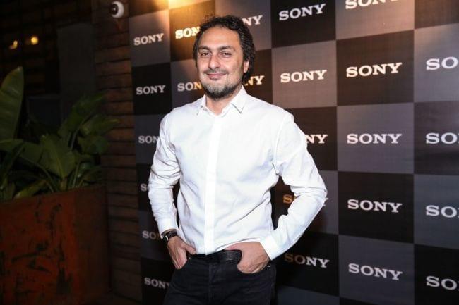 Sony lança SmartBand com assinatura de Jack Vartanian no Brasil