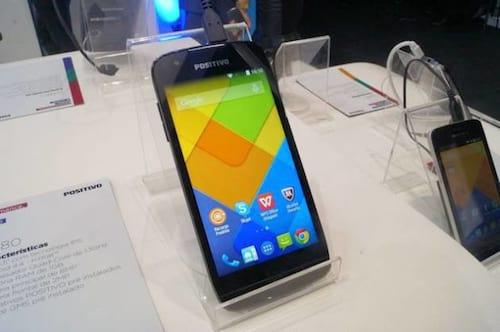TIM e Oi fecham parceria com a Positivo para comercializar seus celulares