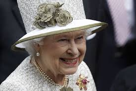 Rainha da Inglaterra tuita pela primeira vez