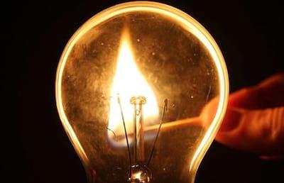 Como foi inventada a l�mpada incandescente?