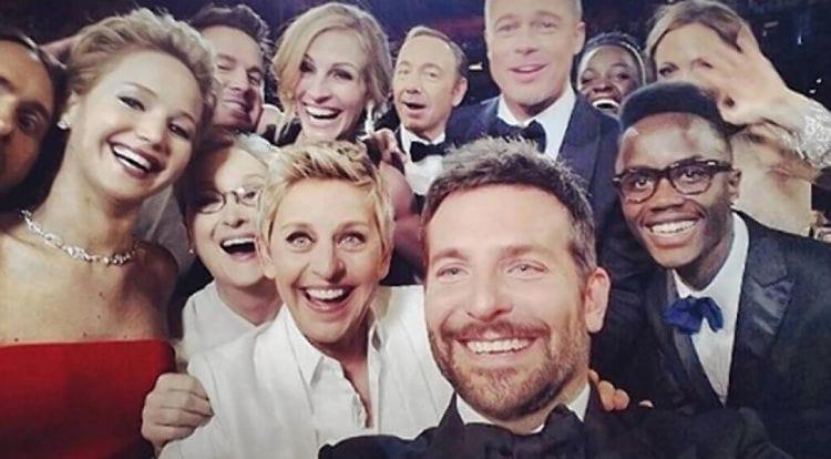 Ano foi marcado pelo termo selfie