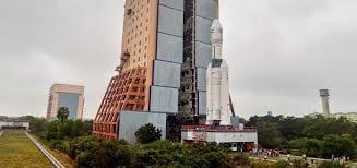 Índia lança maior foguete da sua história