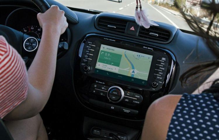 Android M já deverá vir pré-instalado nos carros