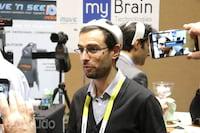 Conheça o capacete capaz de acalmar os usuários