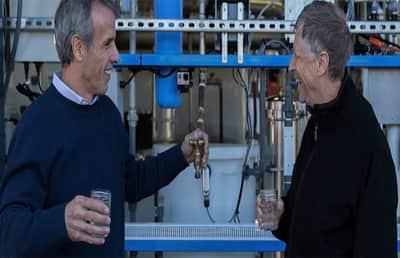 Você tomaria água de cocô? O Bill Gates tomou