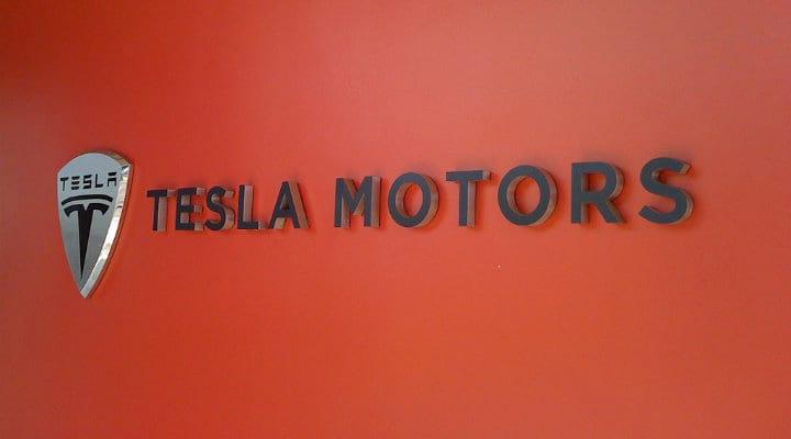 Tesla Motors não atinge sua meta de vendas no último trimestre