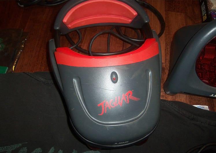 Óculos de realidade virtual do Jaguar que nunca chegou ao mercado