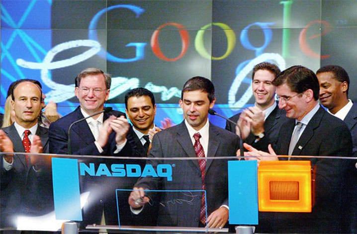 Larry Page na cerimônia de estreia na bolsa de valores de Nova Iorque, a Nasdaq