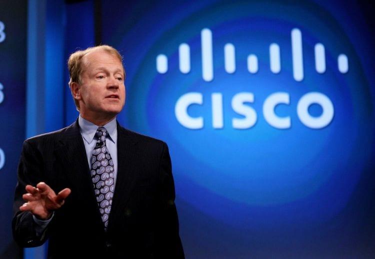 Cisco anuncia troca de comando