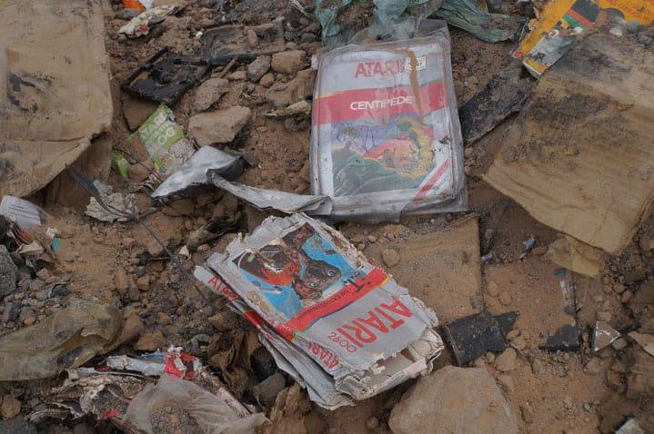 E.T. o game que foi enterrado no deserto por ser considerado o pior da história