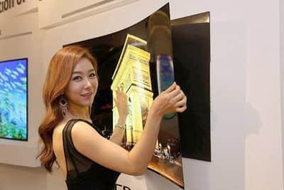 "LG apresenta uma tela 55"" OLED ultrafina dobr�vel"