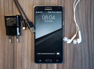 Review Galaxy A7