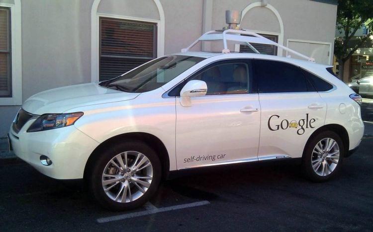 Carro sem motorista do Google se envolve em acidente com vítimas