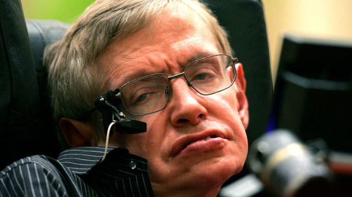 Software que ajuda Stephen Hawking a falar é aberto ao público