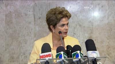 Dilma diz que Uber tira empregos de taxistas