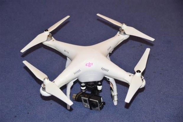Homem é condenado no Reino Unido por usar drone