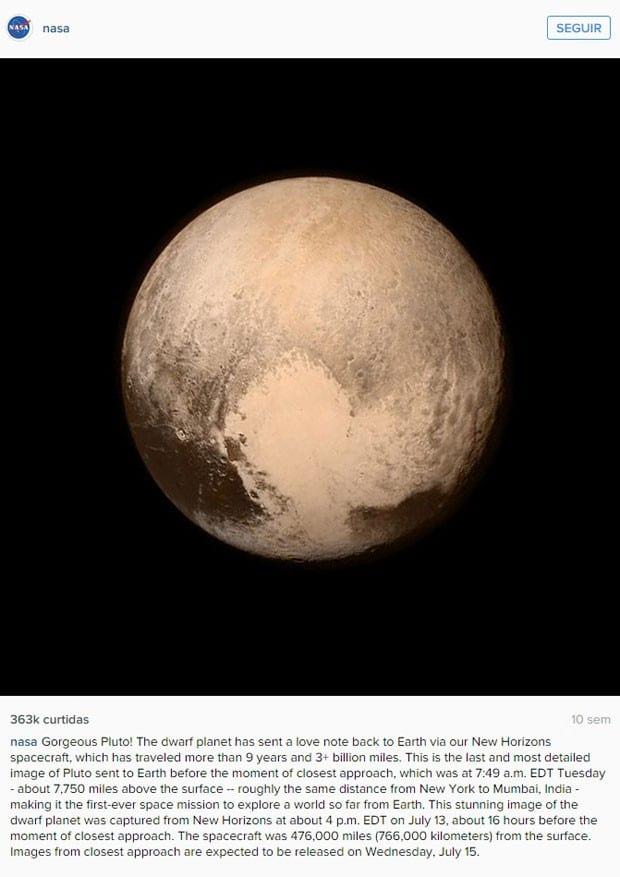 Imagem da superfície de Plutão divulgada pela NASA.