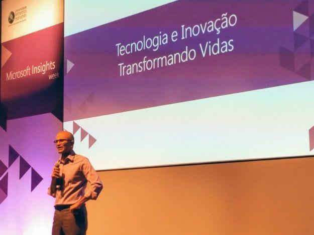 Em visita ao Brasil, CEO da Microsoft incentiva jovens a fazerem o que amam