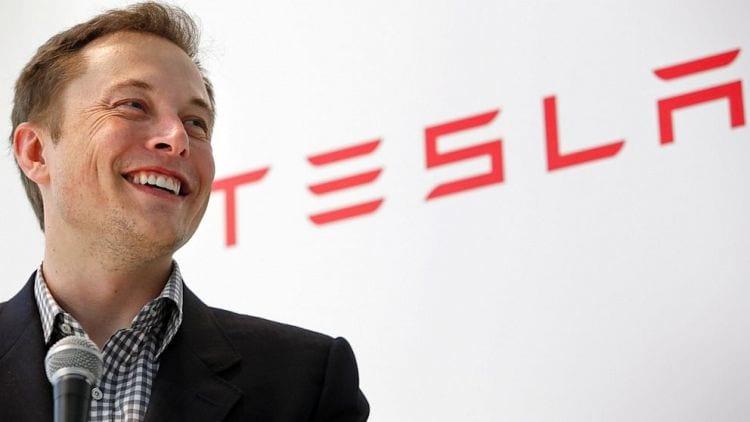 Apple contratou funcionários demitidos da Tesla